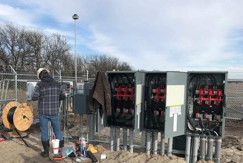 Solar Electrician panels 1000 480x322 - Solar Panels
