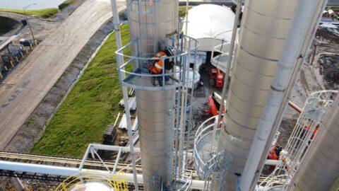 Show Me Ethanol 2 Decker Electric 480x270 - Show Me Ethanol Industrial Grade Distillation